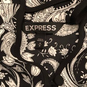 Express Tops - 🌺EXPRESS OFF SHOULDER BLOUSE SIZE M
